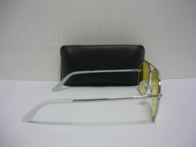 Guess Sunglasses GU7575-S 10E 58