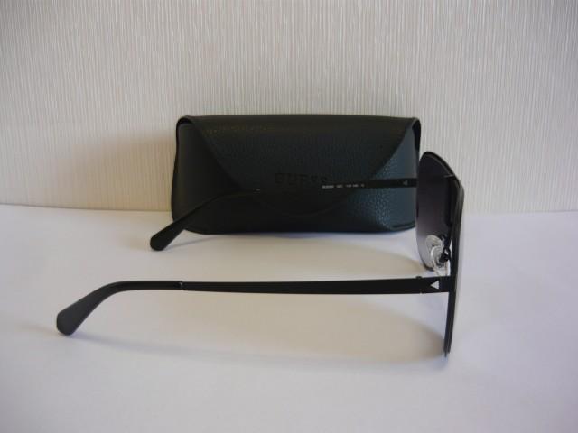 Guess Sunglasses GU5200 02C 00
