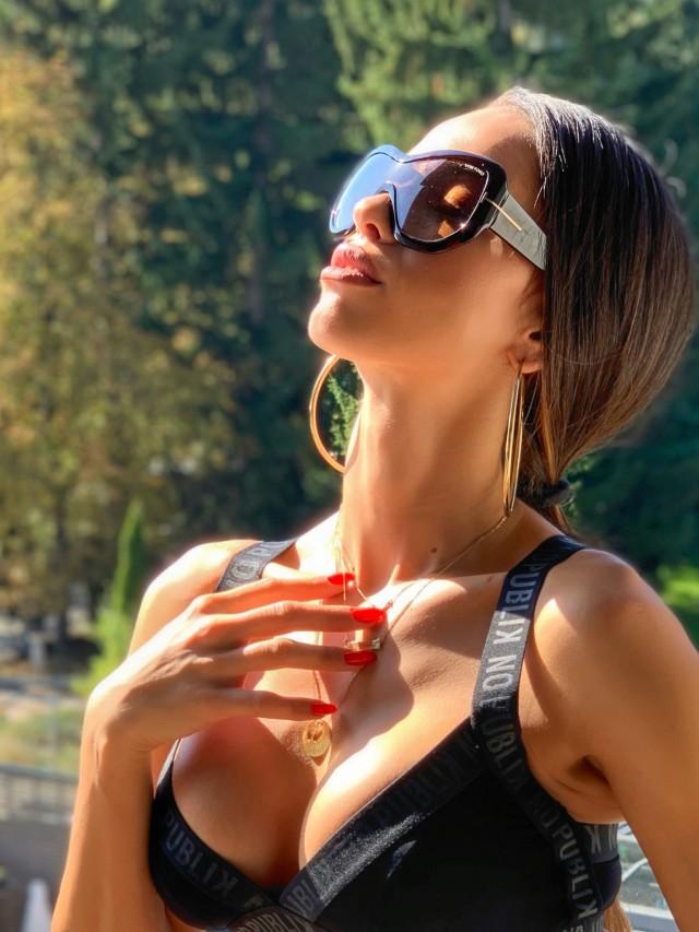 Защо да купите оригинални слънчеви очила и диоптрични рамки от Sunglasses.BG?