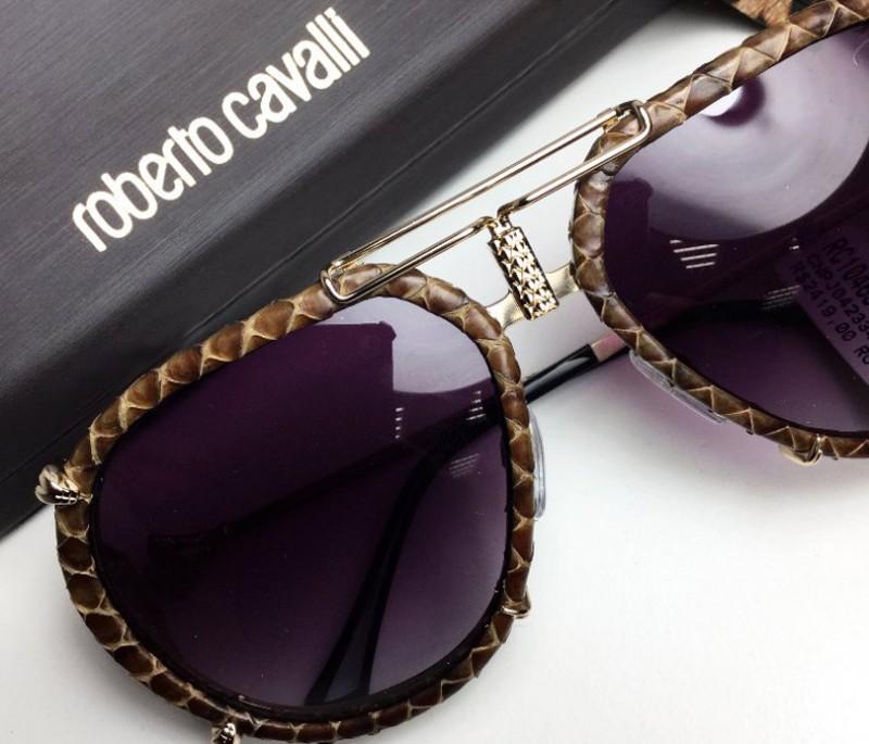 В тази статия ще ви представим популярните очила на Roberto Cavalli и ще разкажем историята на едноименната марка.